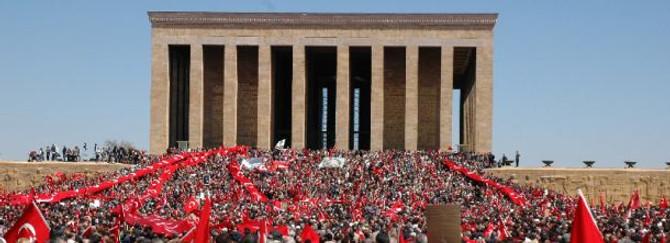 Temmuz'da Anıtkabir'i 201 bin kişi ziyaret etti