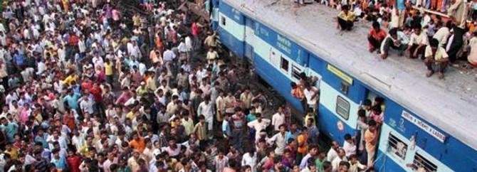Hindistan'da görülmemiş tren kazası