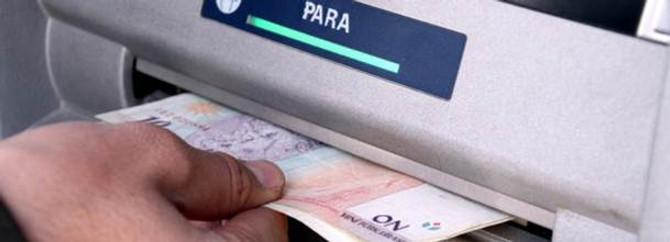 Bankalar faiz dışı gelirle dönüyor
