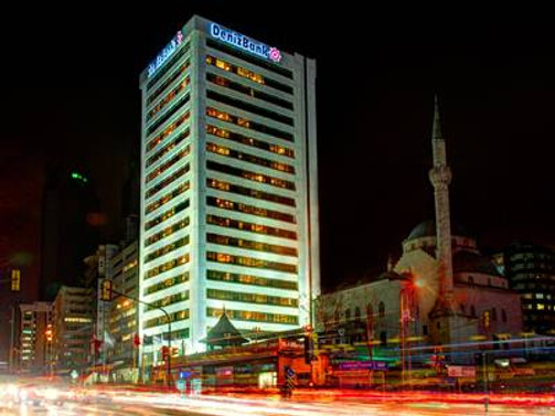 """DenizBank, """"Türkiye'de Yılın Bankası"""" seçildi"""