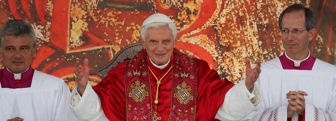Papa seçimi öne alındı