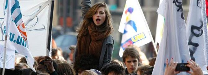 Fransız gençlerin gözü yurt dışında