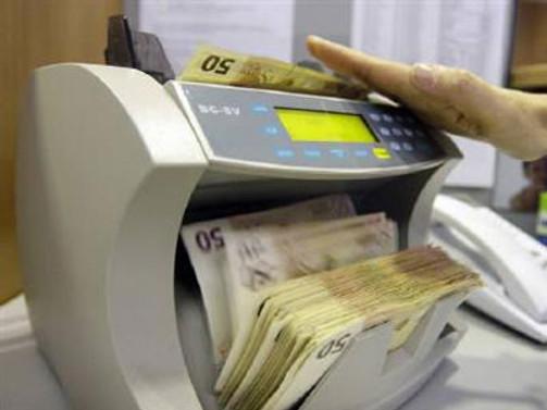 Euro/dolar bir ayın en yükseğinde
