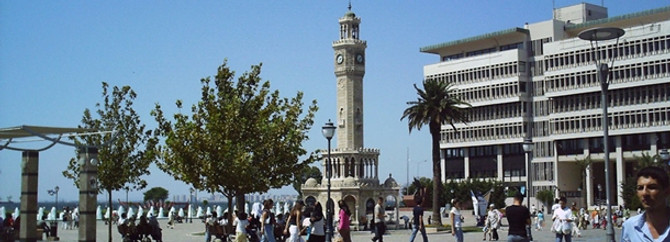 Fitch, İzmir'in notunu arttırdı