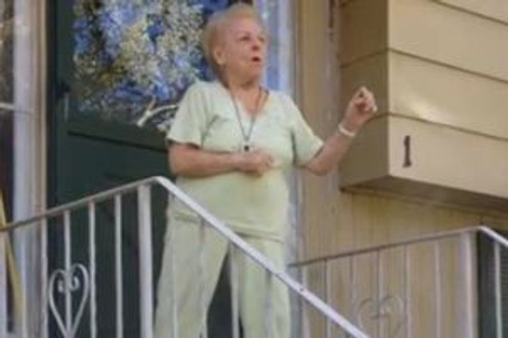 Danseden büyükanne internette meşhur oldu
