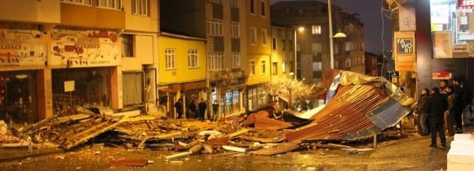 Lodos İstanbul'da çatıları uçurdu