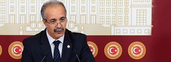 CHP'den istifa etti, AK Parti'te geçti