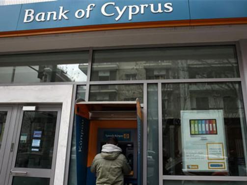 Kıbrıs çabalıyor AB tehdit ediyor