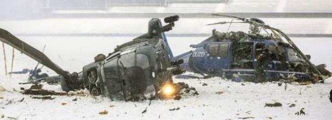 Berlin'de iki helikopter çarpıştı