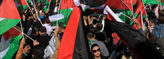 Filistinli iki siyasi tutuklu serbest bırakıldı