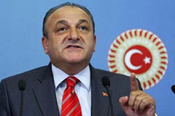 """""""PKK'ya verilen sözler için başörtüsü kullanıyor"""""""