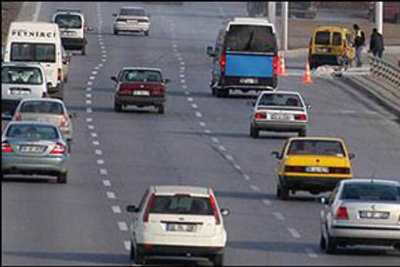 TEM'de tatil dönüşü trafik yoğunluğu