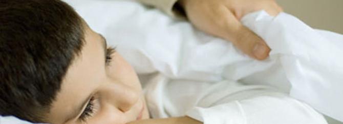 1.5 milyon çocuk gece yatağını ıslatıyor