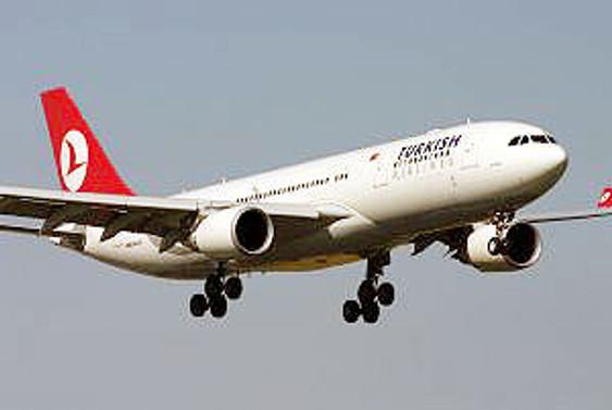 THY uçağı, toz bulutu nedeniyle Nevşehir'e indi