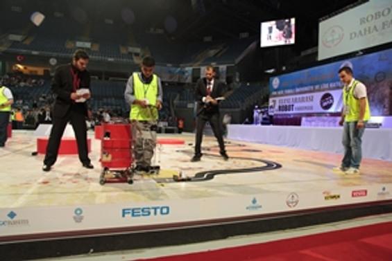 7. Uluslararası Robot Yarışması gerçekleştirildi