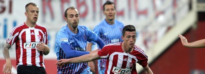 Trabzonspor ligin hıncını Sivasspor'dan çıkardı
