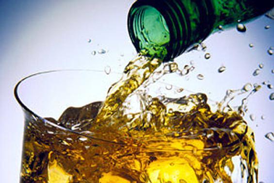 Alkol tüketim yaşı 11'e indi