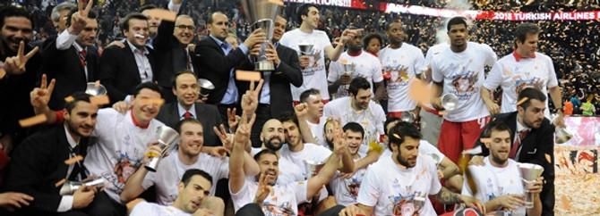 Basketbolda Avrupa'nın en büyük kupası Olympiakos'un