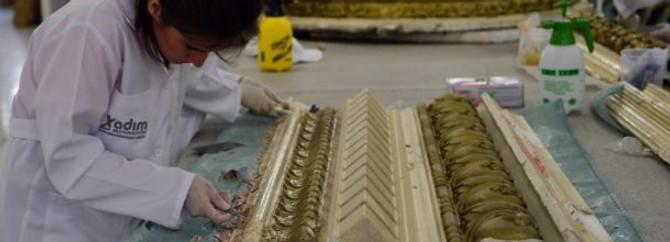Emek'in tavan ve duvar süslemeleri tek tek restore ediliyor