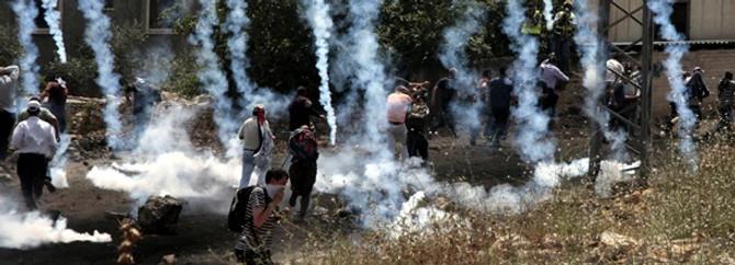 İsrail askerleri AA kameramanını yaraladı