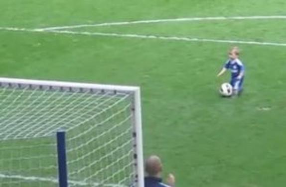 Ferreira'yı unutup bebeğin golüne sevindiler