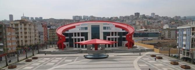 Türk bayrağı şeklinde bina yaptılar