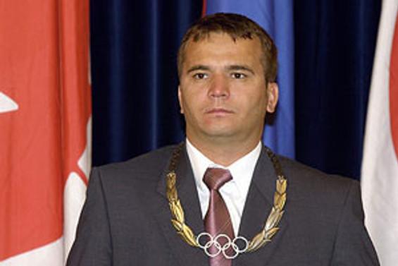 Naim Süleymanoğlu taburcu oldu