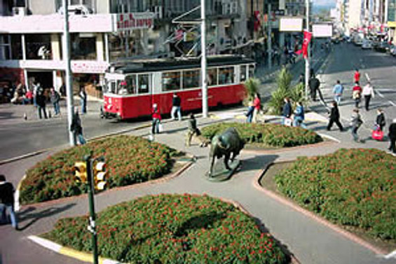 Kadıköy'de bugün bazı yollar trafiğe kapalı