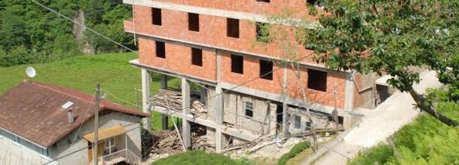 Baba evini yıkamadılar üstüne 4 katlı bina kondurdular