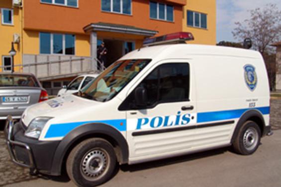 Çubuklu'da deniz dibinden bomba, silah ve mermi çıkartıldı