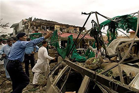 Pakistan'daki saldırıda ölenlerin sayısı 102 oldu