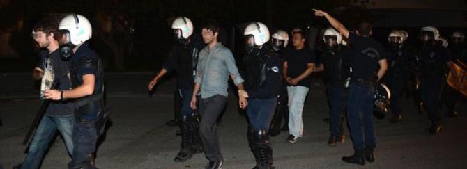 Ankara'da göstericiler gözaltına alındı
