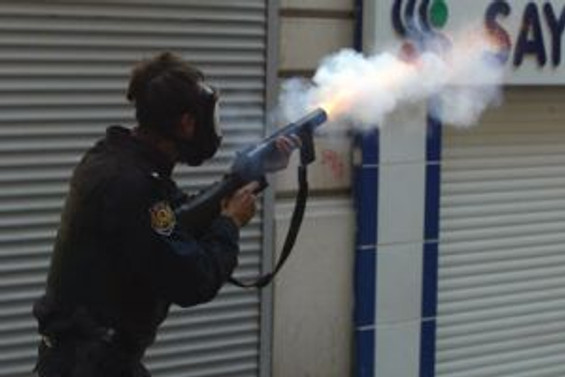 """""""Gaz bombasını okula atan, direnişçi grup"""""""
