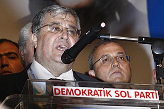 DSP'de bayrağı Masum Türker devraldı