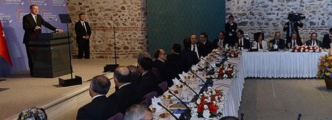 Erdoğan'ın Akil İnsanlar ile toplantısı başladı