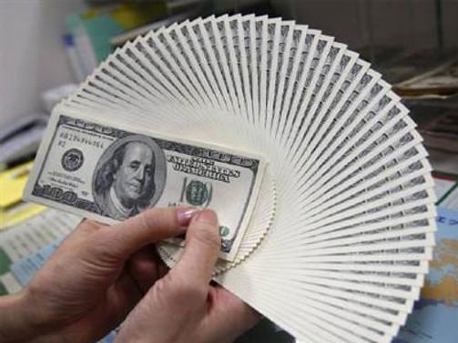 Dolar 1,9270 liranın altına geriledi