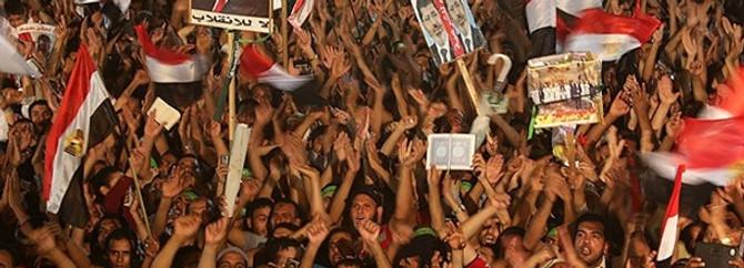 """Mısır'da """"sokağa çıkma yasağı"""" gündemde"""
