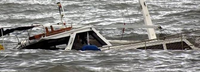 Endonezya'da tekne battı: 8 ölü