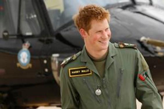Prens Harry, Angola ziyaretini tamamladı
