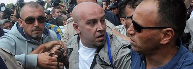 Bekir Bozdağ'a saldıran kişi serbest