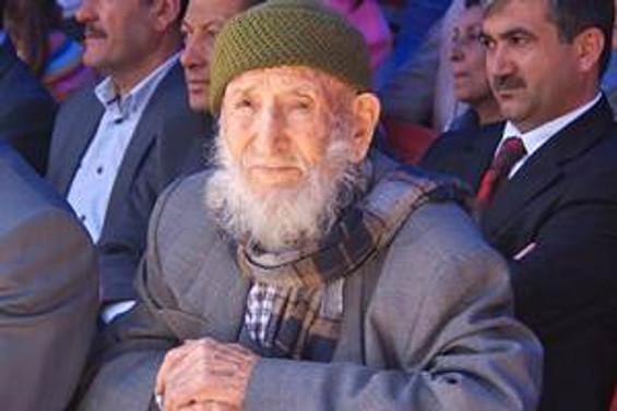 """""""Mehmet dede"""" 124 yaşında vefat etti"""