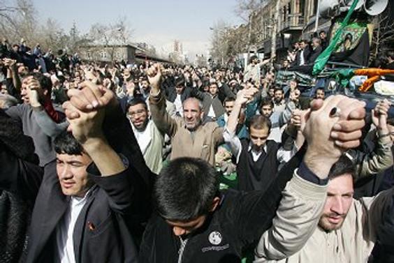 Tahran'da muhalefetten yeni gösteri