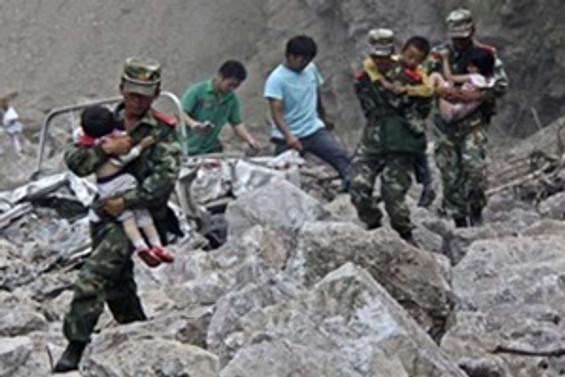 Çin'deki depremde ölü sayısı 381'e yükseldi