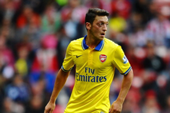Mesut Özil babasıyla davalık oldu