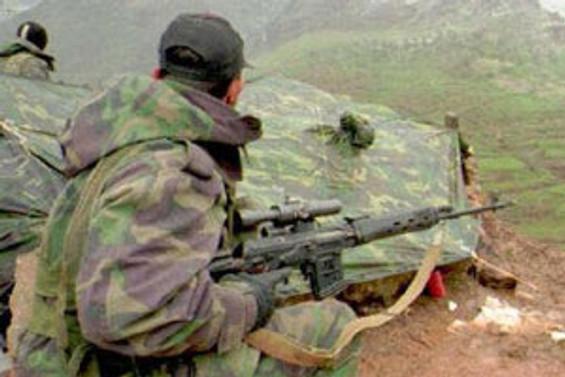 Yüksekova'da 1 üstteğmen yaralandı