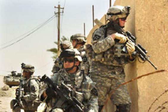 Amerikan askerleri Afganistan'da hastane bastı