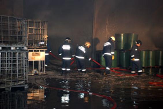 Tuzla'daki yangın söndürüldü