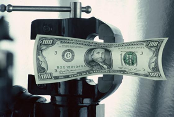 Dolar 1.54'ün altını test etti