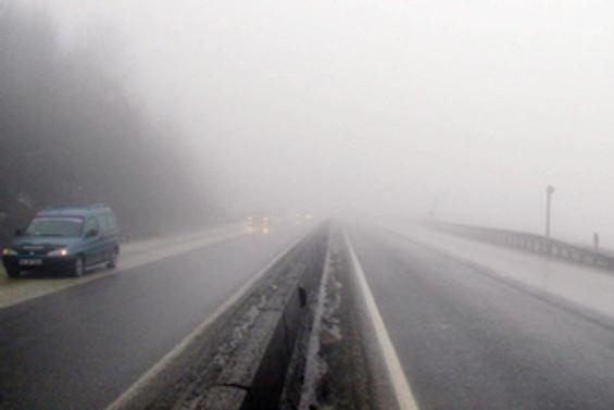 Bolu'da sis ulaşımı engelliyor