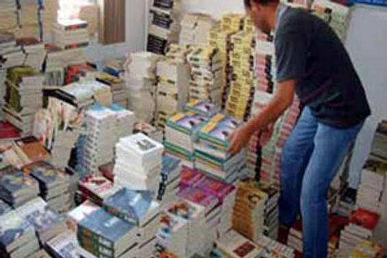Yazar Tarık Dursun K, korsan kitabı destekliyor